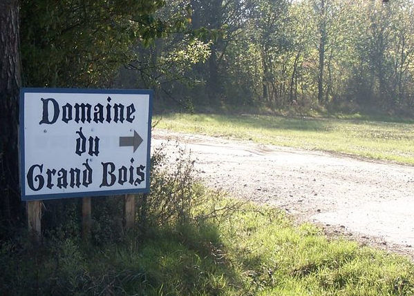 Le camping du Grand-Bois à Tupin-Semons : les naturistes se rebiffent, ils demandent des indemnités de départ