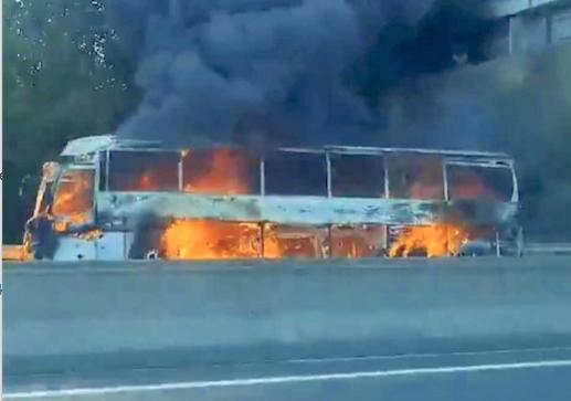 Un bus en feu ce matin près de Bourgoin-Jallieu, avec une vingtaine de passagers à bord