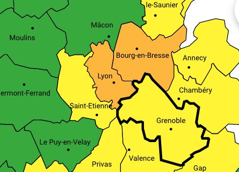 L'équivalent de 2 semaines de pluie : il est tombé 43 mm à Reventin-Vaugris ; le Rhône, toujours en orange
