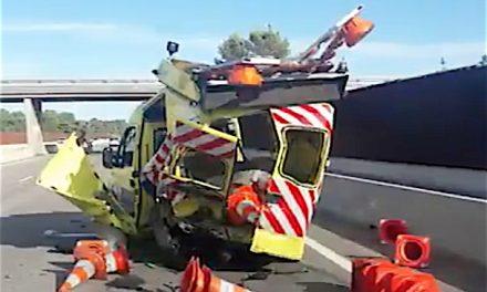 Exposition choc sur l'aire d'autoroute de l'A7 : 26 véhicules de patrouilleurs accidentés…