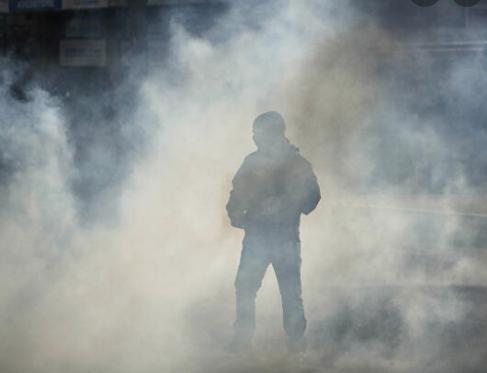 A Lyon : la manifestation contre le pass sanitaire se termine sous les grenades lacrymogènes