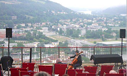 Jazz à Vienne-A 6 h 30, ce matin, brume et violoncelle, romantisme assuré…