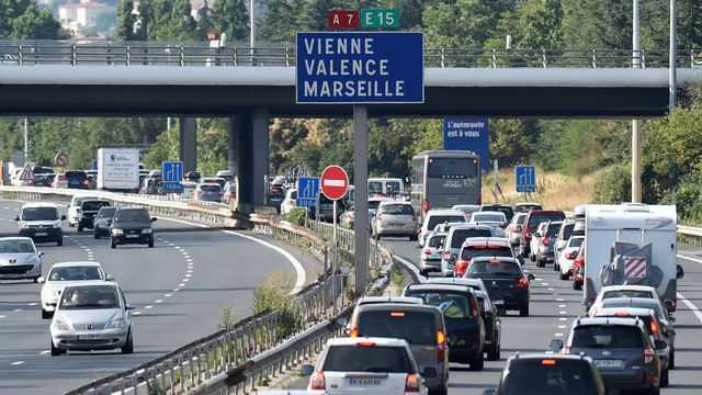 Circulation en noir : plus de 1 000 km de bouchons aujourd'hui, 5 h 30 pour rallier Lyon à Orange par l'A7 !