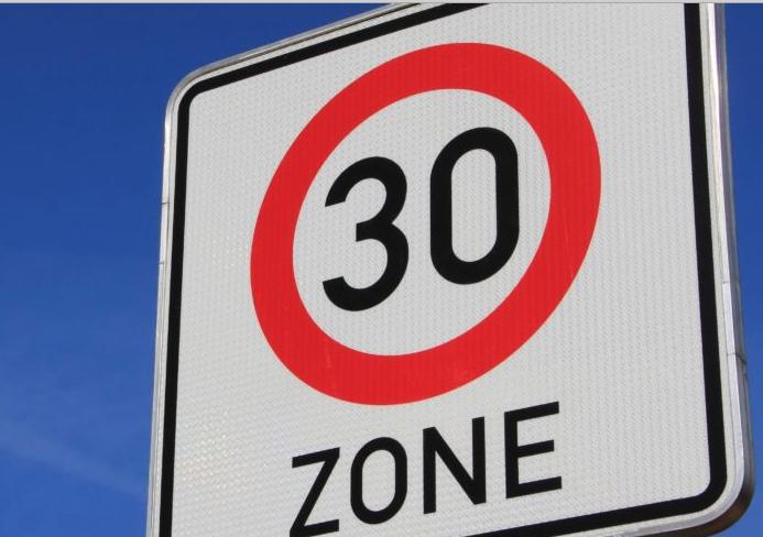 """Après Paris, Lyon devrait passer en """"Zone 30"""", l'année prochaine…"""