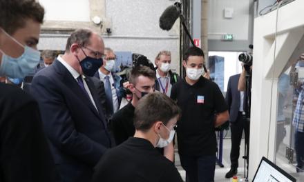 Jean Castex, premier ministre, hier, à Roussillon et à Beaurepaire, la visite en images