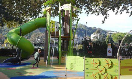 Toboggans, passerelles, boîte sonore, etc : inauguration de la nouvelle aire de jeux du Jardin de Ville de Vienne