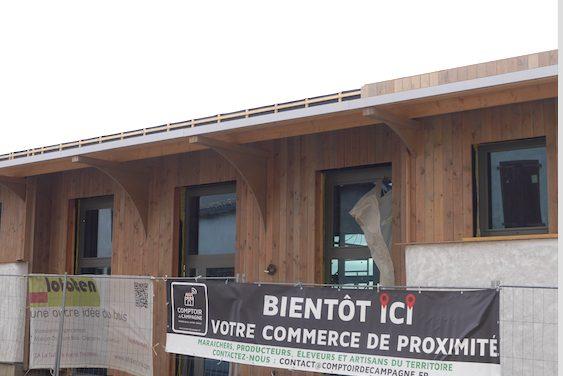 Une Halle commerciale en bois va ouvrir ses portes début décembre  à Reventin-Vaugris