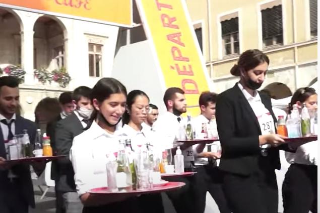 Retour sur la course des garçons de café, show de Vienne Atout Commerce, etc. : le journal TV de Vienne