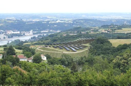 Au printemps 2022 : bientôt  une centrale photovoltaïque sur les hauteurs de St-Romain-en-Gal…